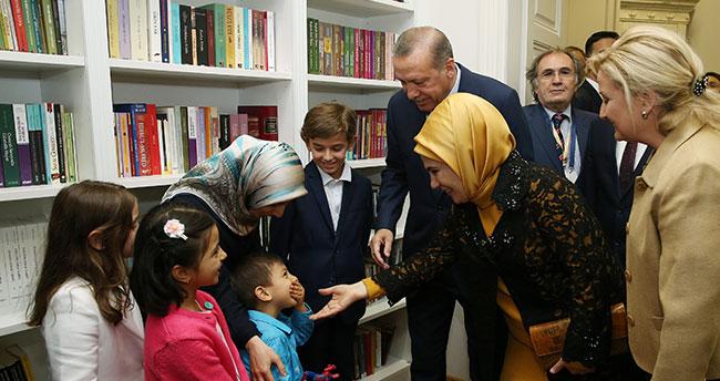 Erdoğan Yunus Emre Türk Kültür Merkezi'ni açtı