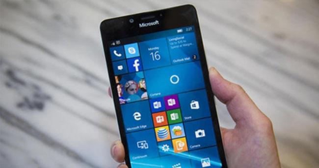 Lumia stokları eritme derdinde