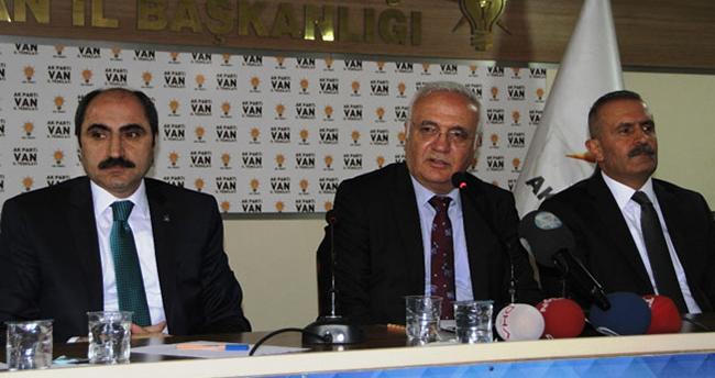 HDP'li vekillere sert uyarı: 'Ya milletvekili olun ya da terörist'