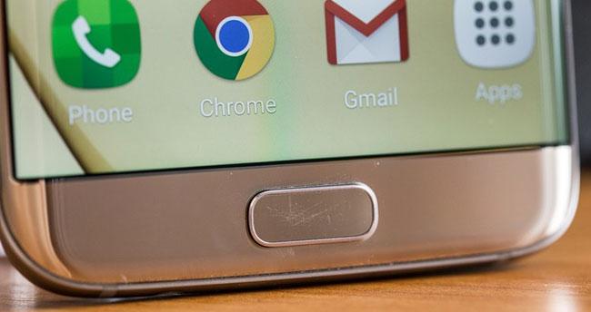 Samsung telefonların o tuşu çiziliyor!
