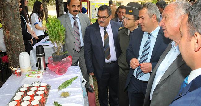 Akşehir'de Bilim Fuarı açıldı