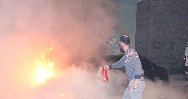 Konya'da park halindeki otomobil yandı