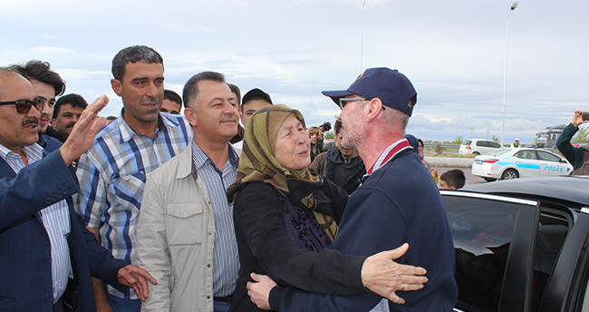 """Kahraman Polis""e Konya'da muhteşem karşılama"