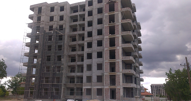 Konya'da inşaatın 9. katından düşen işçi öldü