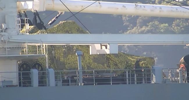 Rus gemisinden boğazdan tanklı geçiş!