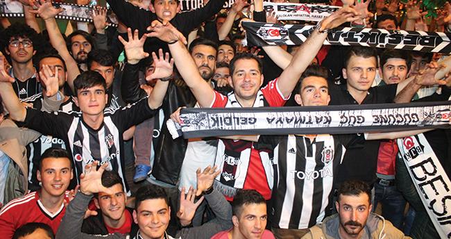 Konya'da Beşiktaşlı Taraftarların Galibiyet Kutlaması
