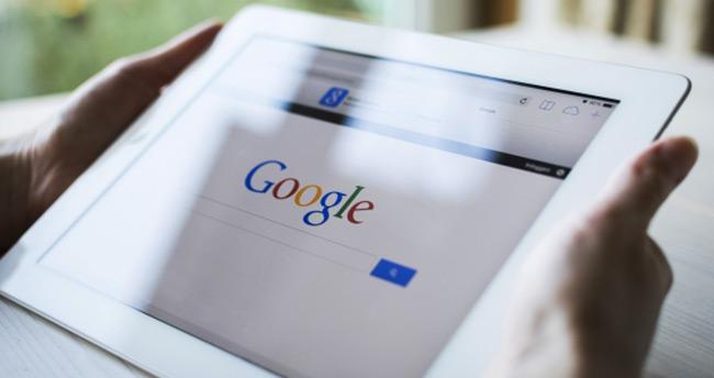 Google arama sonuç rengini değiştiriyor