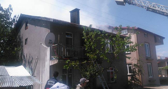 Konya'da ev yangını korkuttu