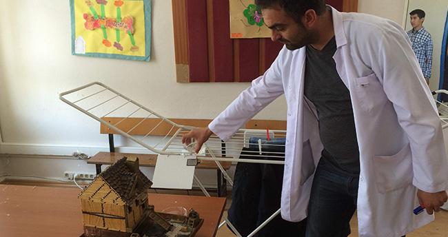 Konya'da matematik öğretmeni akıllı çamaşırlık yaptı