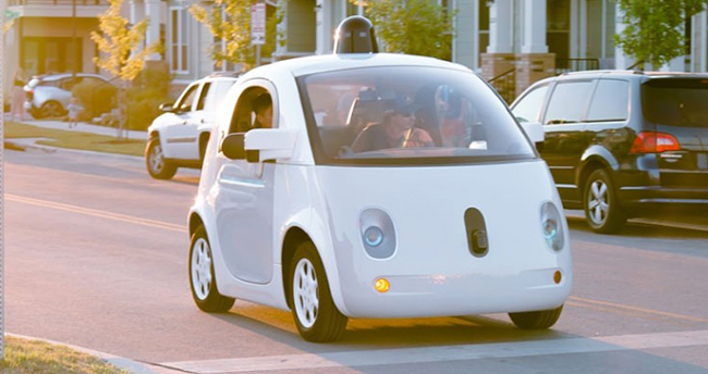 Google sürücüsüz otomobili deneyecek sürücü arıyor!