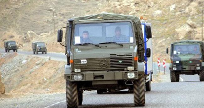 Askeri araç kaza yaptı: 1 asker şehit