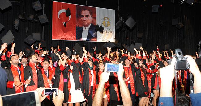 Selçuk Üniversitesi'nde genç hukukçular mezuniyet coşkusu yaşadı