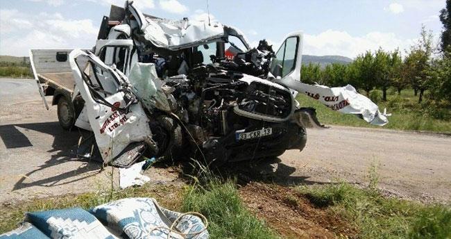 Konya'da Kamyonet Takla Attı: 1 Ölü 3 Yaralı