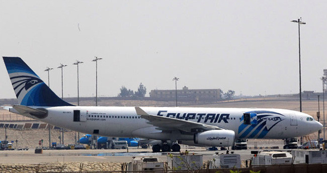 Mısır: 'Ceset parçaları uçakta patlamayı işaret ediyor'