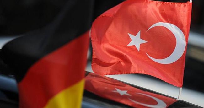 'Almanya Büyükelçisini geri çağırdık'