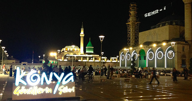 Konya'da ilk teravih namazı coşkusu