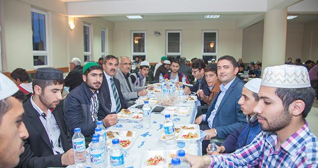 Kardeş belediyelerden iftar sofrası