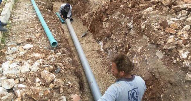 Konya'nın Derebucak ilçesinde su pompalarının enerjisi güneşten