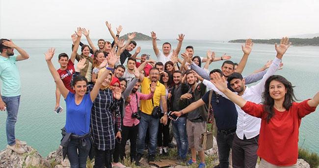 Öğrenciler, Beyşehir'de endemik bitkileri inceledi