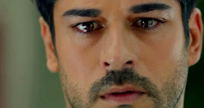 Burak Özçivit gözyaşları içinde veda etti