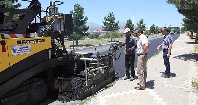 Hedef 600 bin metrekare asfalt yol