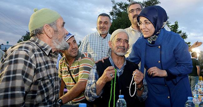 Meram'da kardeşlik iftarı sürüyor