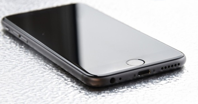 Siyah iPhone geri mi gelecek?