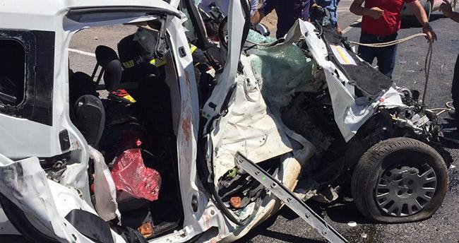 Konya'da feci kaza : 4 ölü