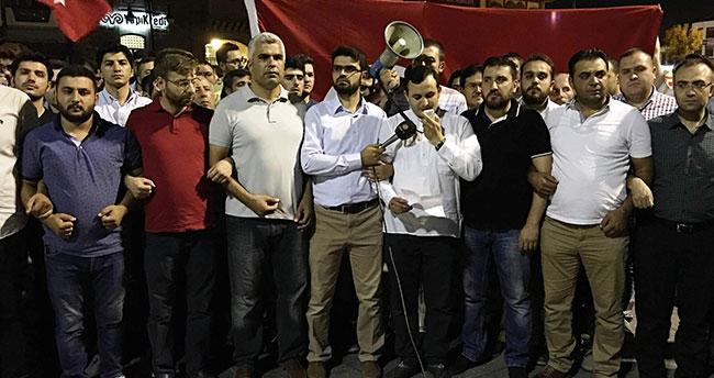Konya'da genç STK'lar darbeci zihniyete tepki gösterdi
