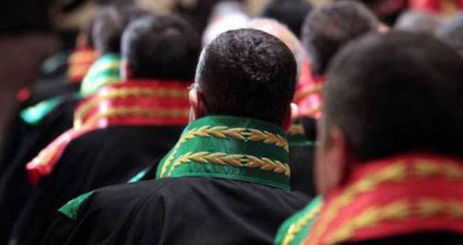 Konya'da 32 hakim ve savcı tutuklandı