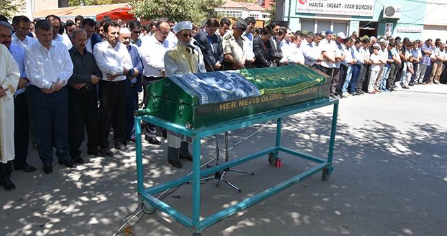 Çumra Belediye Başkanı Mehmet Oğuz'un Oğlu Defnedildi
