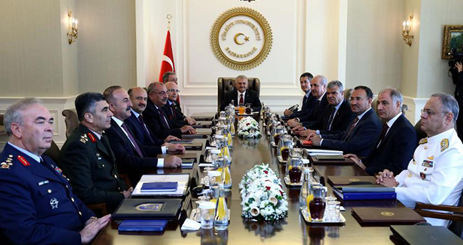 YAŞ kararları açıklandı : 586 albay emekliye sevk edildi