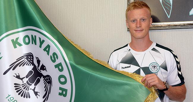 Atiker Konyaspor'un yeni transferi imzayı attı