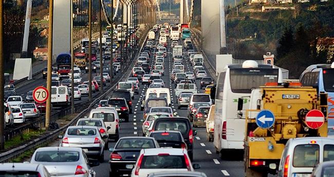 Araç sahiplerine müjde : 'Trafik sigortası 200 lira düşecek'