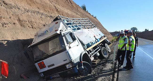 Konya'da tüp yüklü kamyonet kaza yaptı : 1 yaralı