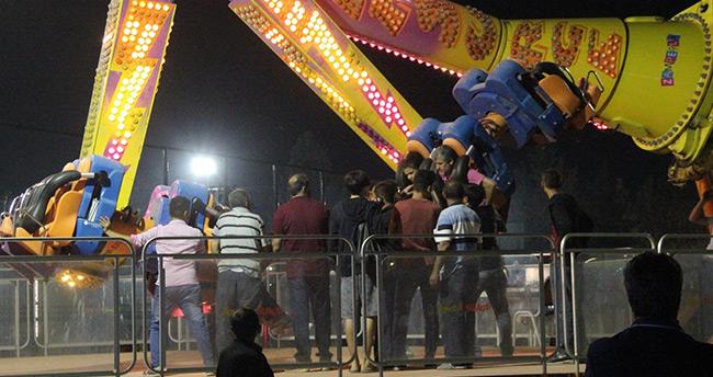 Konya'daki lunaparkta eğlence aracında mahsur kaldılar