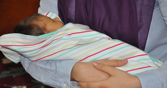 Konyalı şehidin kızı Minik Gökçe babasının kokusuyla uyuyor