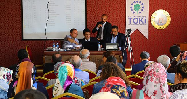 Hadim'de TOKİ konutları için çekiliş