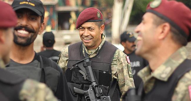 Kahraman astsubay Halisdemir'in tatbikat fotoğrafları