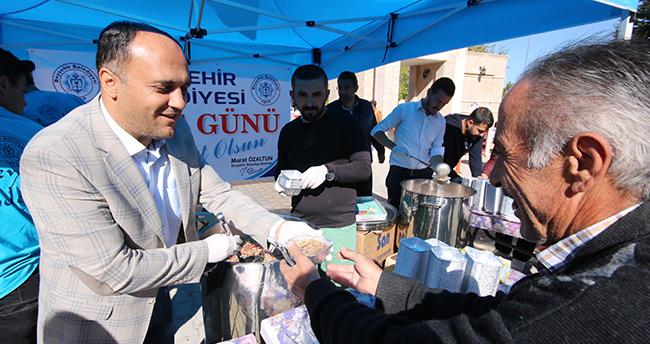 Beyşehir'de KPSS'ye giren adaylara ve ailelerine aşure ikramı