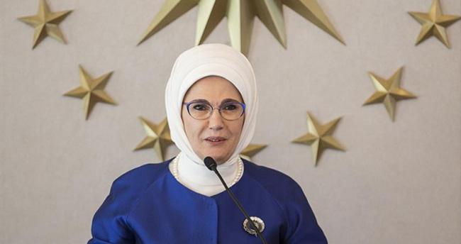 Emine Erdoğan vali eşlerini kabul etti