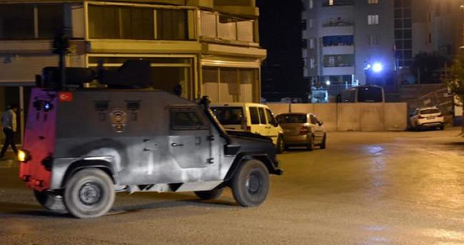 Adana'da ses bombası atıldı