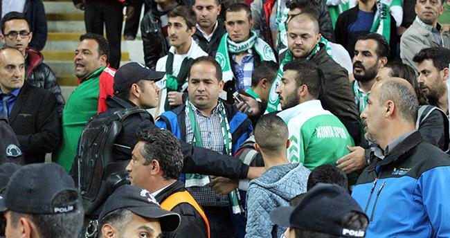 Atiker Konyaspor-Fenerbahçe maçında tribün karıştı