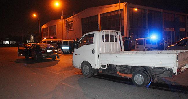 Konya'da kamyonet otomobile arkadan çarptı: 1 yaralı