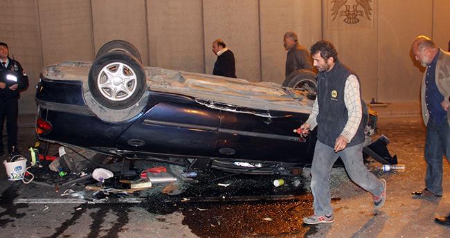 Konya'da otomobil alt geçite uçtu : 1 yaralı