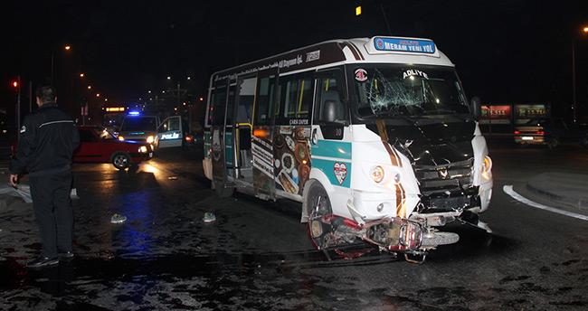 Konya'da minibüs motosikletle çarpıştı: 1 ölü, 1 yaralı