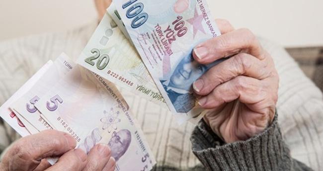 11.6 milyon emekliye yeni yıl hediyesi
