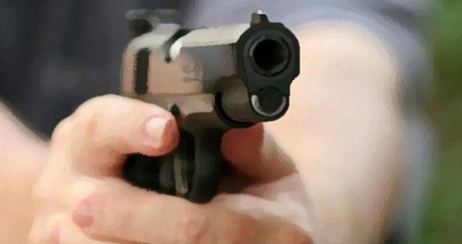 Adana'da polis memuru kardeşi ve yengesini öldürdü
