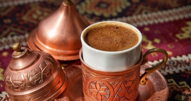 Günde 3 bardak kahve bunalmayı önlüyor