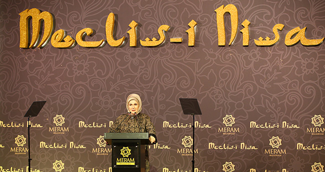 Konya'da Müslüman kadın ve İslamofobi konuşuldu